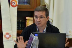 P. Carlos Enrique Caamano Martin