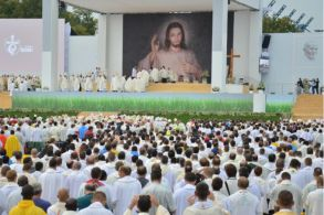WYD_Opening_Mass_Credit_Kamil_Janowicz_World_Youth_Day_Krakow_2016_via_Flickr_CNA